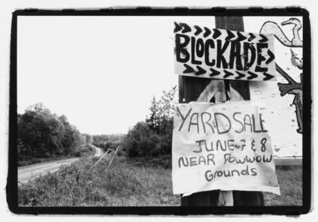 Grassy Narrows blockade, Ontario. Phtographer Jon Schledewitz